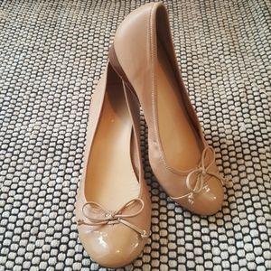 Cole Hawn Air Tali Nude Bow Wedge Heels Size 9B